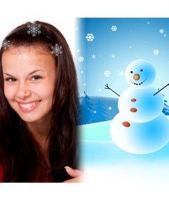 Sencilla postal de Navidad, para felicitar a tus seres queridos. Con muñeco de nieve y paisaje nevado