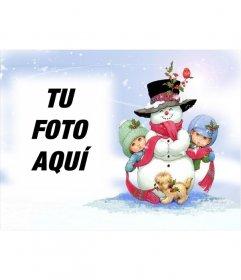 Postal de navidad con muñeco de nieve y fondo nevado