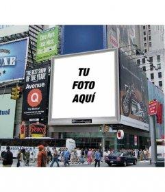 Fotomontaje para poner tu foto en un cartel de publicidad de una calle