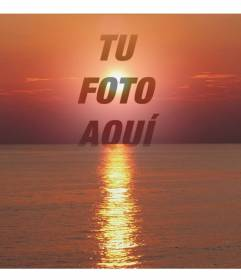 Collage fotográfico de una puesta de sol, de tonalidades rojas, con una cara o recorte de una fotografía. Este aparece en transparencia, centrado en la imagen