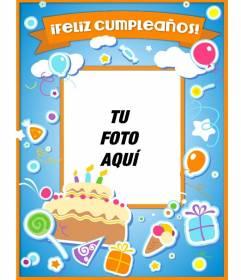 Tarjeta de cumple azul con ilustraciones tipo pegatina de tartas, globos y regalos para personalizar online