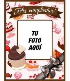 Tarjeta felicitación de cumpleaños con tartas y cupcakes en tonos rosas y marrones