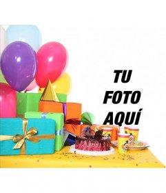 Tarjeta de cumpleaños con una fiesta con regalos, globos y una tarta para agregar una fotografía y texto