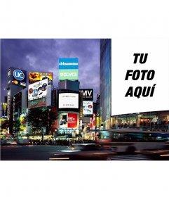 Montaje en cartel con tu foto en la gran metrópolis de Tokio