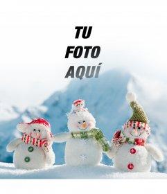 Fotomontaje para poner tu foto en esta imagen de tres muñecos de nieve