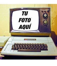Foto montaje con un ordenador antiguo