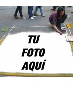 Fotomontaje para insertar tu imagen pintada en el suelo por una artista callejera
