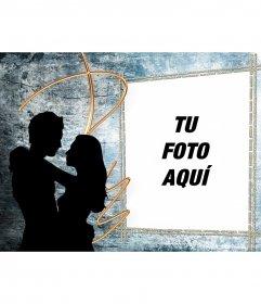 Postal con dos enamorados que puedes editar con una fotografía