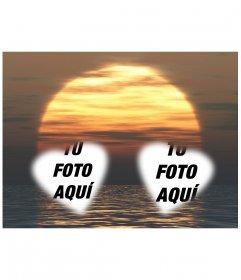 Tarjeta personalizable con dos fotos con forma de corazón con una puesta de sol y el mar de fondo