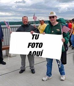 Fotomontaje para poner tu foto en la pancarta que están sujetando unos fans de los Estados unidos