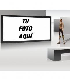 Marco de fotos televisión futurista con mujer en 3D observando