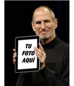 Fotomontaje con personajes populares. en este montaje fotográfico, Steve Jobs, presidente de Apple, muestra orgulloso tu foto en un Ipad