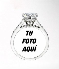 Pon la foto de tu chica o chico dentro de una anillo de diamantes cartier, romántico fotomontaje