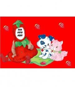 Traje virtual para crianças de um morango com um fundo vermelho e filhotes