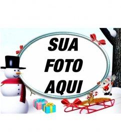 Natal moldura na neve com um boneco de neve e presentes para colocar uma foto