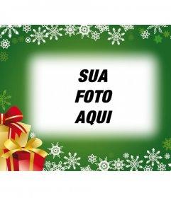 Cartão com fundo verde e presentes de Natal para colocar sua foto no fundo