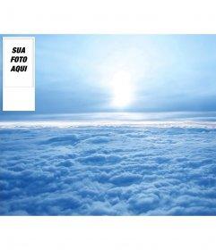 Sob encomenda do Twitter fundo do céu com nuvens. Coloque sua foto sobre ela