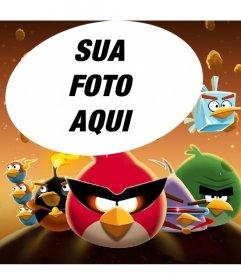 Colagem sobre Angry Birds no espaço com os pássaros famosos vestidos! Xxx Coloque sua foto favorita facilmente e de graça nesta ilustração do Espaço Angry Birds!