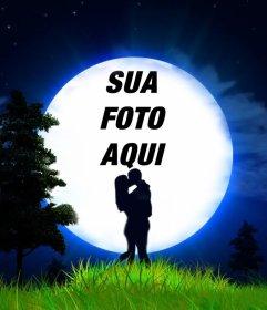 Amor efeito da foto de um casal ea lua