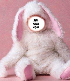 Efeito da foto de um bebê vestido como o coelho