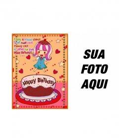 Cartão de aniversário para crianças. Com uma foto de uma menina com um bolo, corações e estrelas