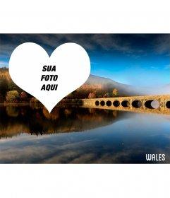 Cartão com uma imagem de uma paisagem Welsh