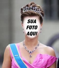 Fotomontagem de uma princesa com coroa e vestido com gala para colocar seu rosto