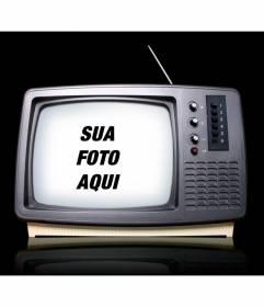 Fotomontagem com uma televisão retro onde você pode colocar sua imagem como se você aparecer em um programa de TV