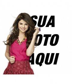 Montar imagens para postar uma foto ao longo da famosa atriz e cantora Selena Gomez