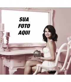 Fotomontagem com Selena Gomez para colocar a sua foto ao lado dela em um espelho. efeito online
