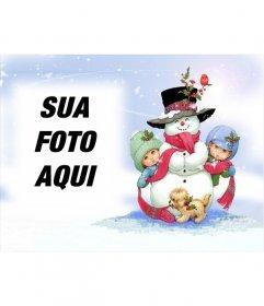 Cartão de Natal com boneco de neve ea altura da neve