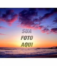 Montagem de fazer com sua foto do pôr do sol multicolorido