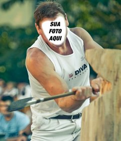 Ponha seu rosto em um homem forte corte de um log com um machado