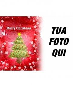 Si compiace per le vacanze con questa cornice sfondo rosso che mostra un albero di Natale e di vitigni bianchi