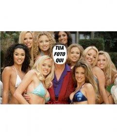 Fotomontaggio che si sarà Hugh, circondato da ragazze di Play Boy