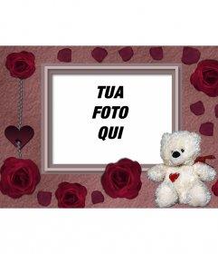 Cartolina di un orso e rose rosse a che fare con la tua foto