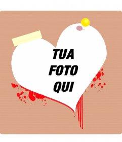 Photo frame o una cartolina di San Valentino a forma di cuore sanguinante