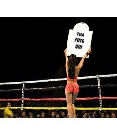 Sport montaggio. Mettere una foto su un annuncio poster del prossimo round di pugilato, tenendo in alto una ragazza dalla pelle scura con il rosso vestiti leggeri