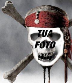 Fotomontaggio di un teschio pirata di mettere una foto del tuo volto