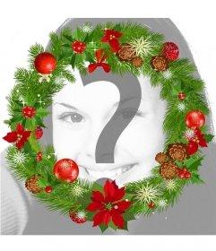 Decorare la foto con un rotondo corona di Natale con decorazioni natalizie