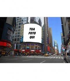 Fotomontaggio di mettere la tua foto su un cartellone pubblicitario di una strada di New York