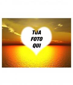 Fotomontaggio in cui si può mettere una foto di sfondo bel tramonto sul mare in un cuore a forma di cornice