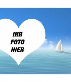 Fotomontage mit einem Herz im Meer und ein Segelboot im Hintergrund
