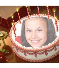 Setzen Sie Ihr Bild mit dieser Online-Montage auf eine Geburtstagstorte