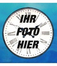Online-Fotorahmen in Form einer analogen Uhr