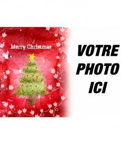 Accueille avec satisfaction les vacances avec ce cadre photo fond rouge qui montre un arbre de Noël et de cépages blancs
