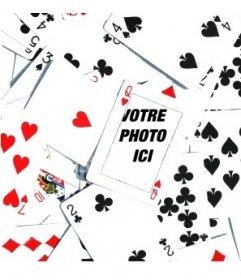 """Photomontage constitué un lot de cartes de poker renversé en désordre, avec un Q de coeurs dans le centre de l""""image. Dans ce menu, vous pouvez insérer une image"""