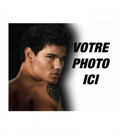 Personnalisez votre photo avec le protagoniste de la nouvelle lune (Jacob). Dans ce montage photo accompagnera le célèbre acteur Taylor Lautner, qui représente un loup-garou