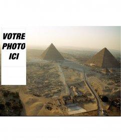 Contexte de twitter où vous pouvez mettre votre photo, des pyramides égyptiennes antiques