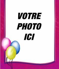 Cadre photo anniversaire, vous pouvez utiliser comme une carte postale, frontière rose avec des ballons colorés sur un coin